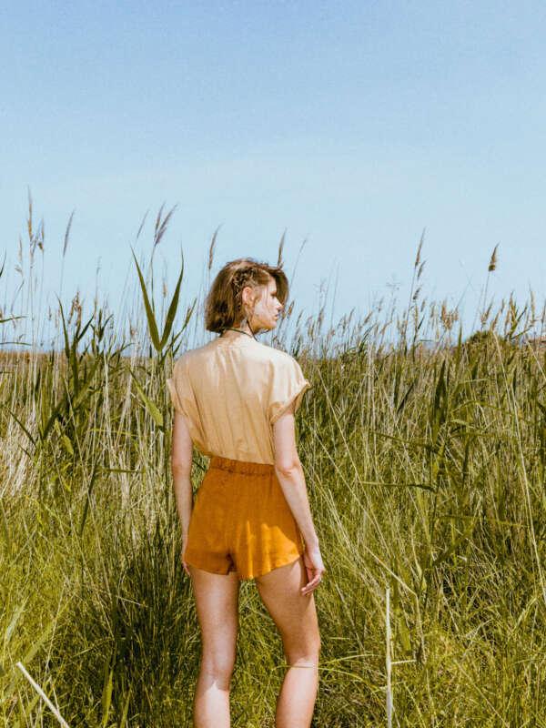Akemi tan t-shirt/the back